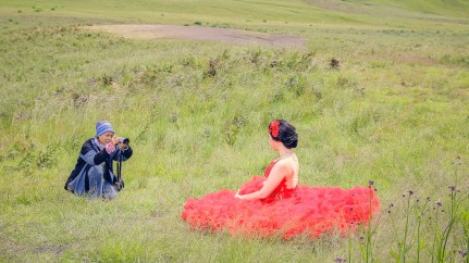fotografer wanita prewedding bromo