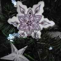 Pierniki bożonarodzeniowe – Duża śnieżynka, dekorowane ręcznie, lukrowane ciasteczka, pierniczki na choinkę – Basia sweets