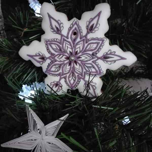 Pierniki bożonarodzeniowe - Duża śnieżynka, dekorowane ręcznie, lukrowane ciasteczka, pierniczki na choinkę - Basia sweets