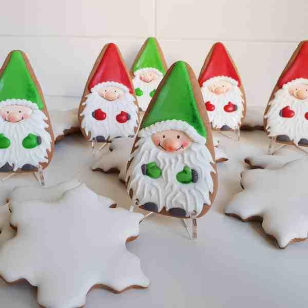 Świąteczne ciasteczka, Lukrowane pierniczki, pierniczki bożonarodzeniowe, krasnale, pierniki na zamówienie - Basia sweets