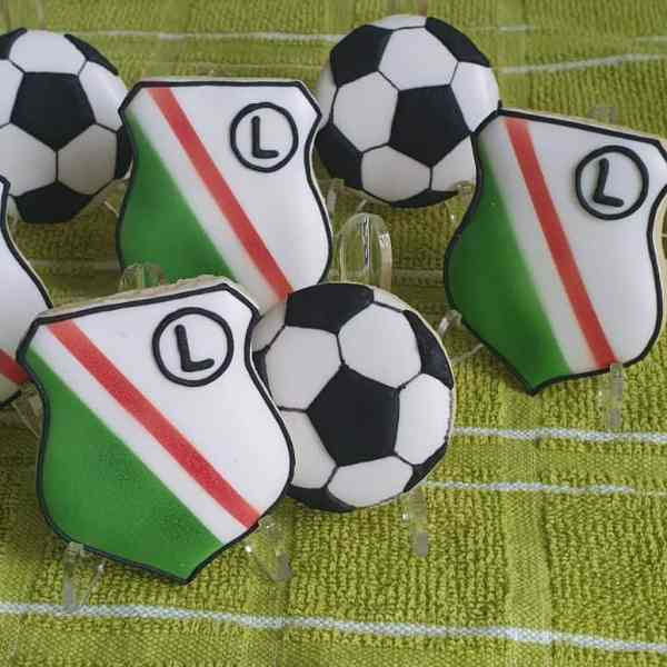 Lukrowane ciastka z logo, Legia Warszawa, dla biznesu, ciastka dla chłopaka - Basia sweets