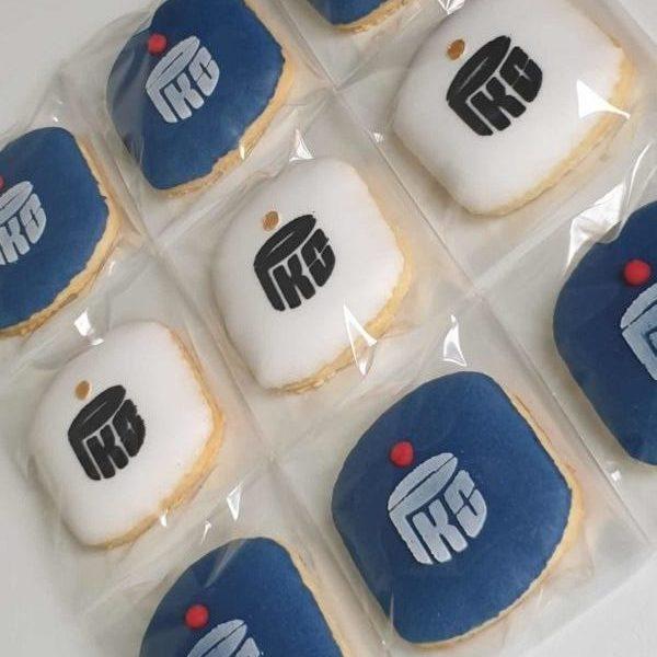 Lukrowane ciasteczka, ciastka reklamowe, bank pko, ciasteczka z logo, ręcznie dekorowane ciasteczka Basia sweets