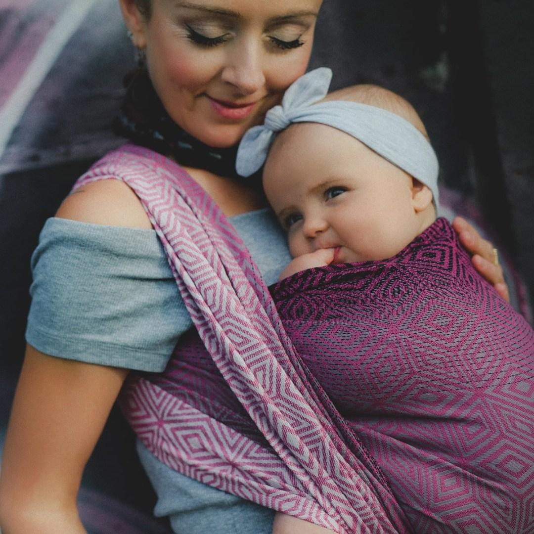 écharpe de portage bébé little frog tissée dès la naissance peony cube