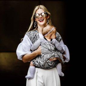 mei tai fly tai fidella porte-bébé asiatique à nouer dès la naissance