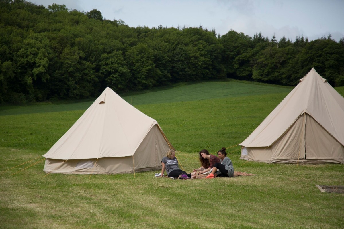 bell-tent-trees-hen-party