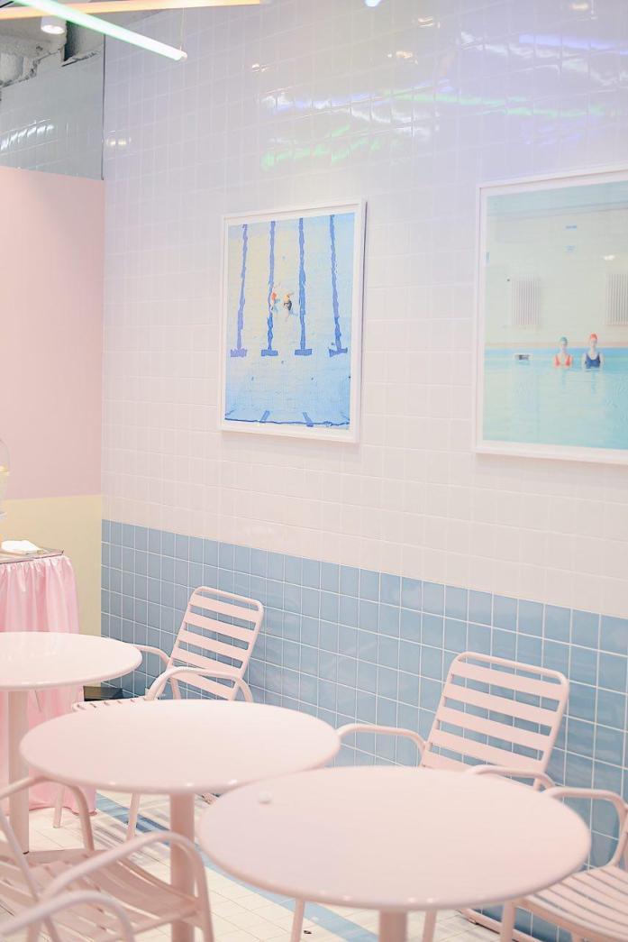 Stylenanda Pink Pool Café in Seoul © Luisa Sancelean