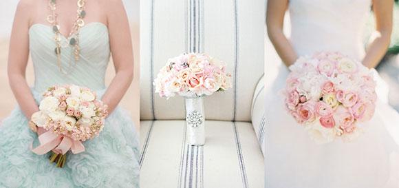 Невеста с букетом из розовых роз