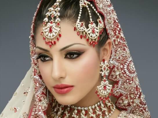 Макияж и украшения невесты