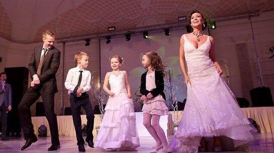 Свадьба хоккеиста Малафеева и Кати Комяковой в стиле gangnamstyle