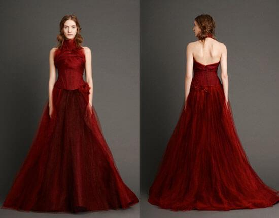Бордовое свадебное платье на корсете с открытой спиной от Веры Вонг