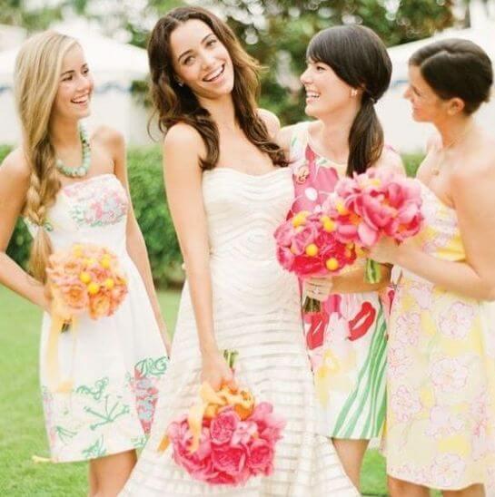 Подружки невесты одеты также в стиле Барби