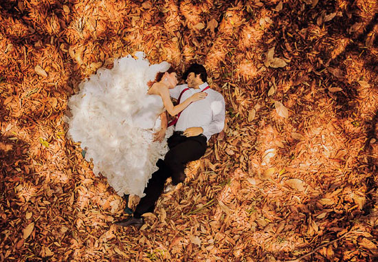 Красивая осенняя свадьба в золотом стиле