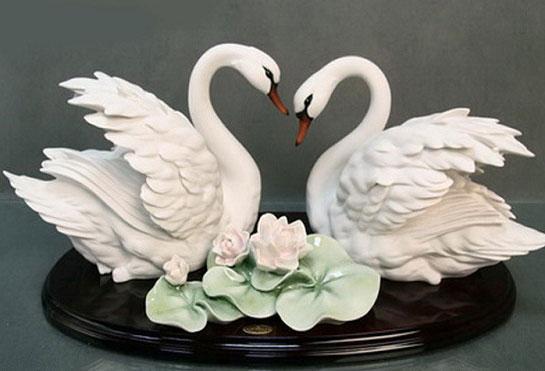 Фарфоровые лебеди на годовщину свадьбы