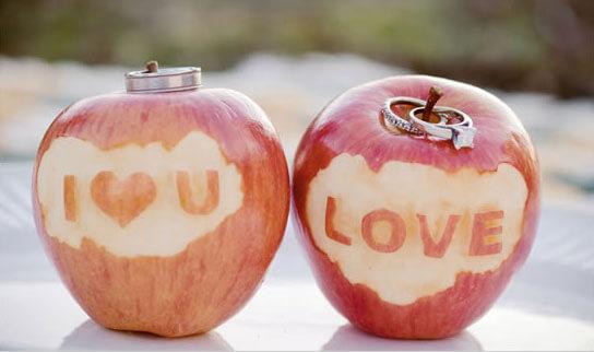 Яблочная свадьба: декор праздника сладкими фруктами