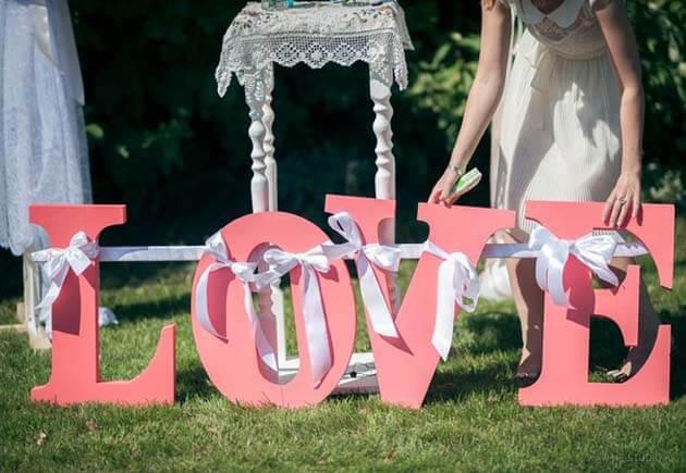 буквы из пенопласта на свадьбе