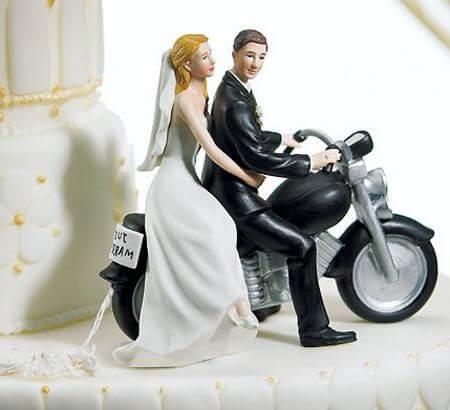 фигурки на торте -молодожены на мотоцикле