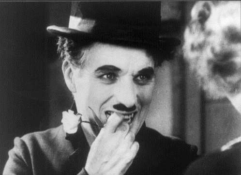 кадр из фильма про Чарли Чаплина