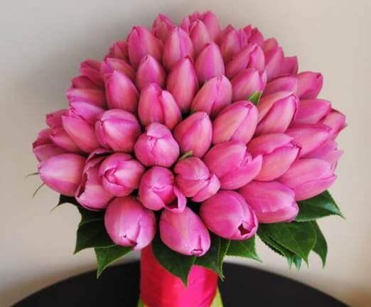 розовые тюльпаны в букете
