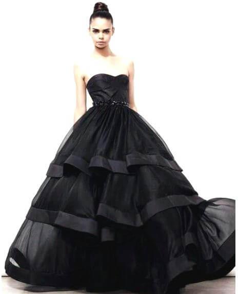 9a5985bb45d Черное свадебное платье – роскошный наряд для смелой и яркой модницы
