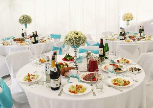 блюда на свадебном столе