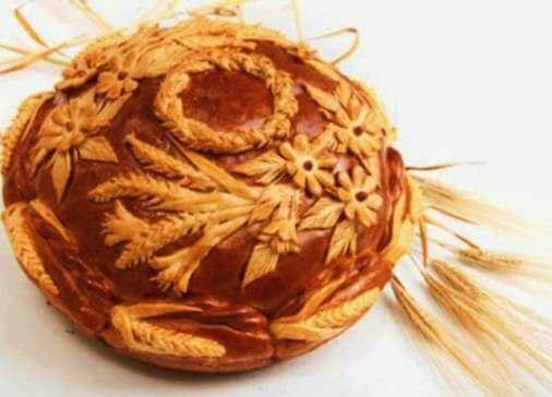 свадебный каравай и пшеница