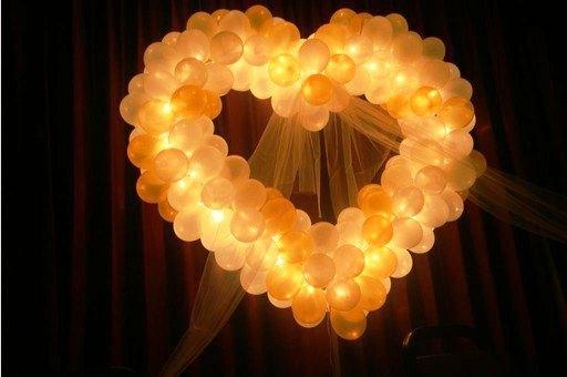 светящиеся шары в виде сердца
