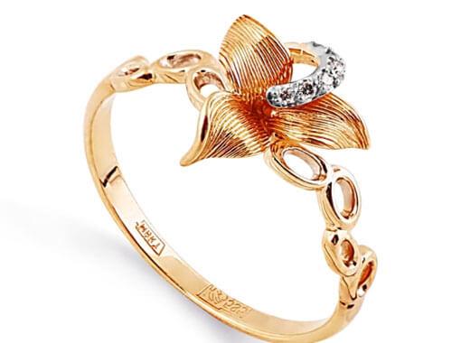 помолвочное кольцо с цветком