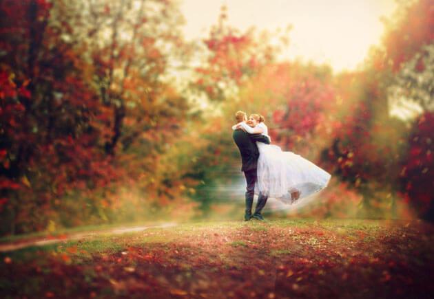жених кружит невесту
