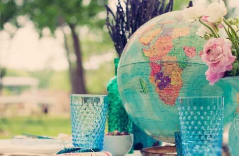 глобус на свадебном столе