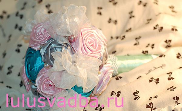 Как сделать свадебный букет из атласных роз?