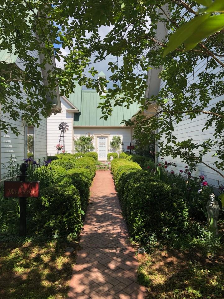 Red Horse Inn: a vacation recap