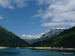 lacul de acumulare