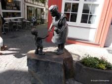 Boppard - Nepotelul cere bani buniciii