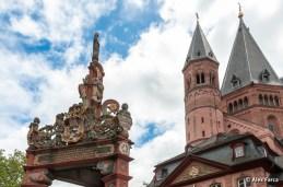 Fantana si catedrala