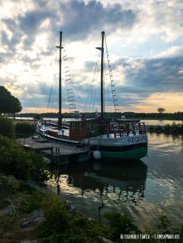 The Regentag, vasul artistului Friedensreich Hundertwasser, ancorat in marina din Tulln