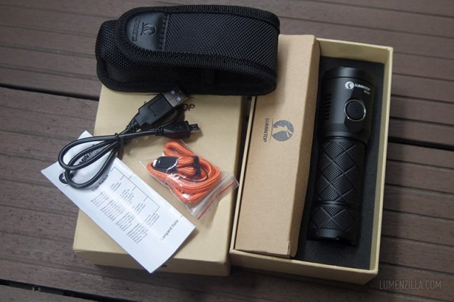 unboxing lumintop sd26 package contents