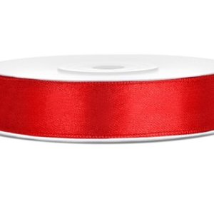 Rødt satinbånd