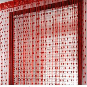 Rød hængegardin