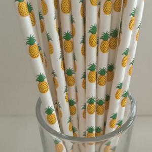 Sugerør med ananasser