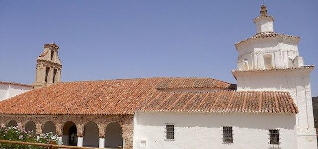 Ermita de Santa María del Ara, engalanada con pinturas