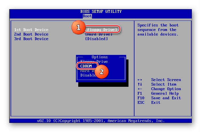 Pilih CDROM dengan peranti boot pertama di bahagian Boot di BIOS di Windows 7
