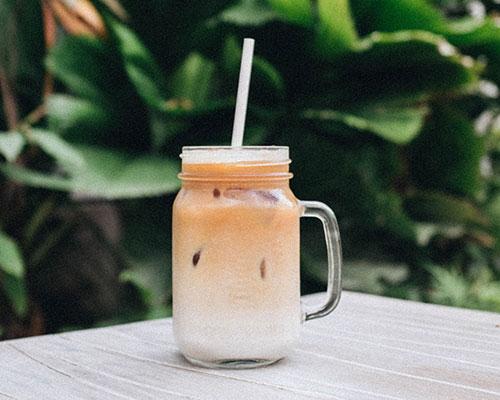 Succo con frutto della passione, miele di acacia Luna di Miele® e noce di cocco