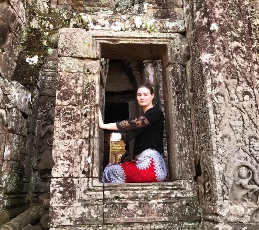 Is it safe to travel to Siem Reap alone?