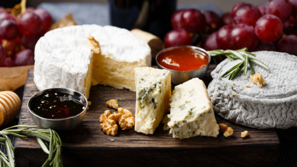 US-specialty-and-natural-cheese-market-booming-hits-17.4bn-in-2015_strict_xxl