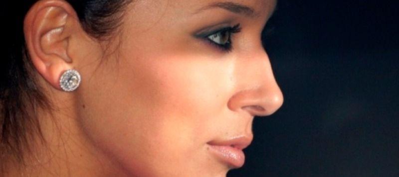Форма носа с горбинкой