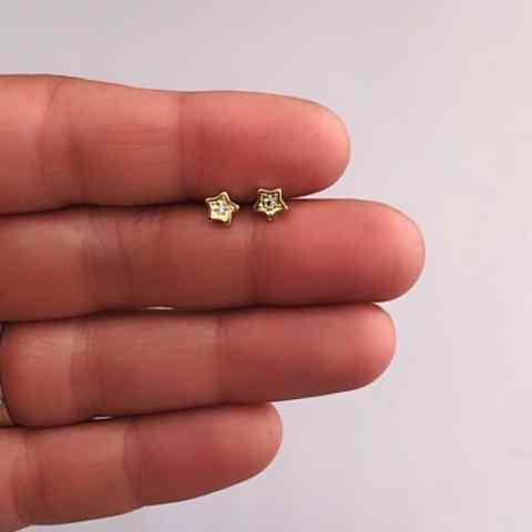 Aros bañados en oro 22k de 5mm Estrella Circón LBO11470