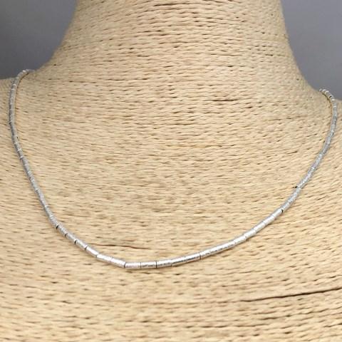 Collar bañado en plata de 45cm Alargue 3cm Mostacilla Tubo Lijada 2x4mm LBO31245