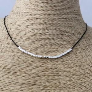 Collar bañado en plata Ajustable con Macramé Hilo Negro Mostacilla Cuadrada 2x2mm LBO31295