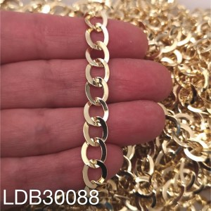 Cadena bañado en oro de 10x8mm 1 metro LDB30088
