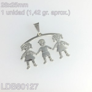Dije dos niñas y un niño bañado en plata de 28x25mm 1un 1.42gr aprox